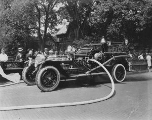 1922 - 750 Gallon Triple Combination Pumper on Broad Street Bridge